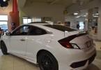Honda Civic Touring Coupé Turbo 2016 Blanc Conduite sportive, moteur turbo de 174 hp. Escompte de 2250$ de rabais pour seulement 99$ par semaine taxes incluses.