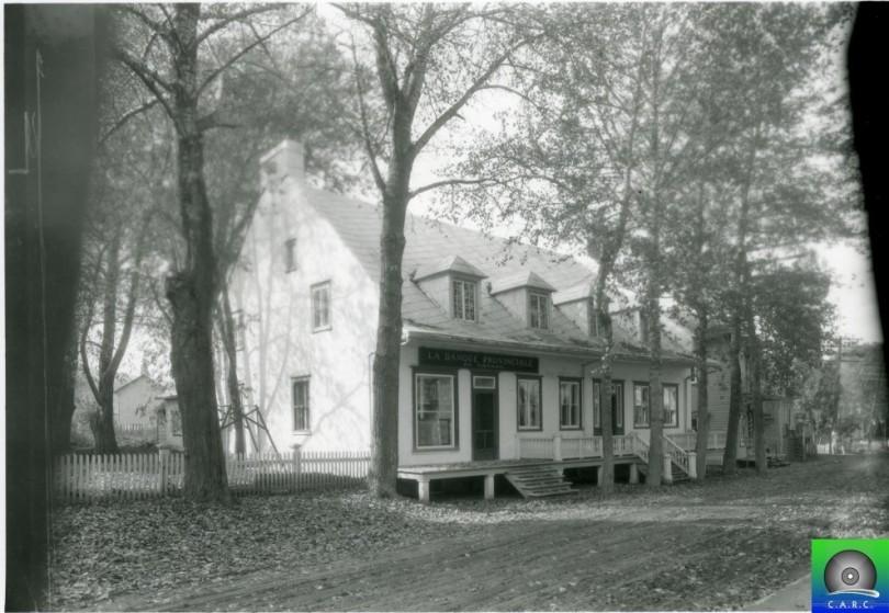 La banque provinciale devenue la maison otis de baie st for Auberge maison otis baie st paul