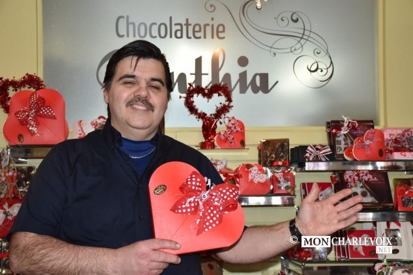 Les yeux doux de Tony pour sa Chocolaterie Cynthia !!!