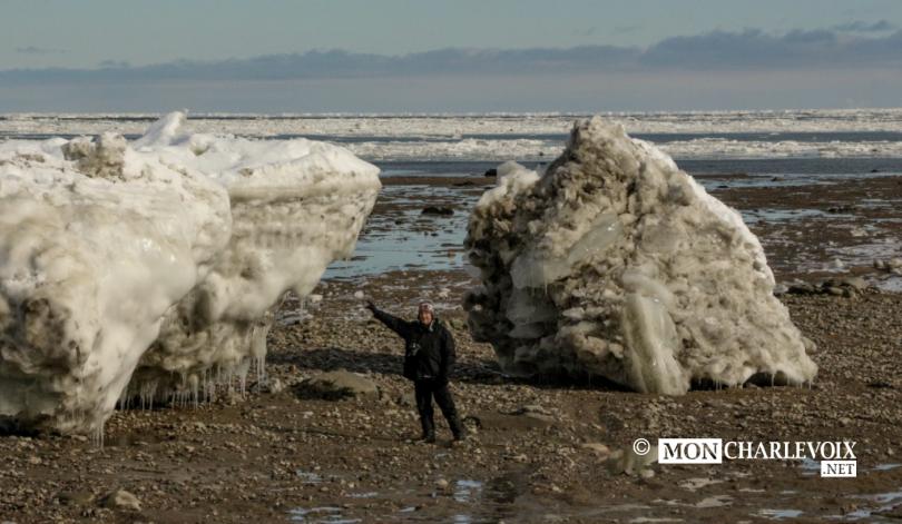 Alain si petit devant ces gros glaciers !