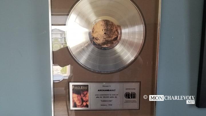 Disque d'or de Francis Cabrel alors qu'Alain travaillait dans la compagnie de disque Archambault.